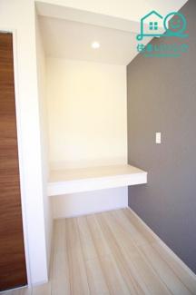 主寝室の一角のカウンタースペースです。