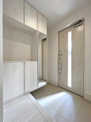 工事初期段階なら、外壁など仕様変更が可能です。 詳しくは、当社スタッフへお問い合わせください。