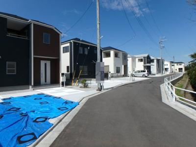 【前面道路含む現地写真】西多摩郡瑞穂町高根・全8棟 新築一戸建 1号棟