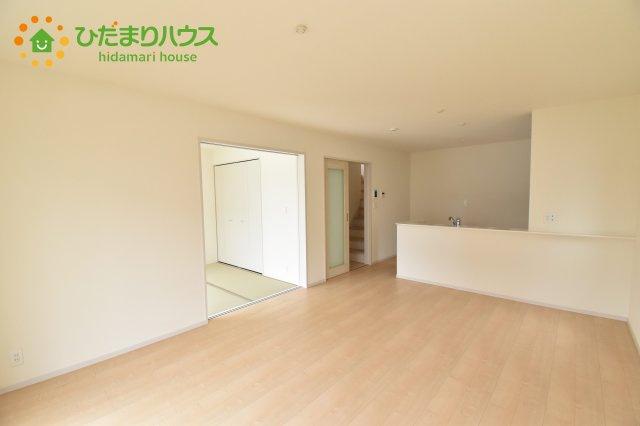 【居間・リビング】見沼区上山口新田 新築一戸建て リーブルガーデン 06
