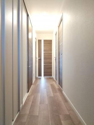【玄関】アシェール上野北 5階 角 部屋 リ ノベーション済 1999年築