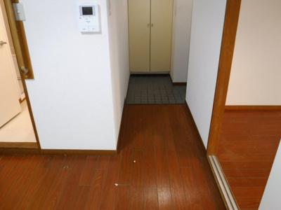 同間取反転のお部屋の参考写真となります。