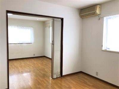 真ん中の洋室、5.5帖