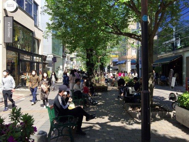 マリクレールストリート 500m いつも人でにぎわっているストリートです。 散策やショッピングの拠点でほっと一息の休憩も良いですね。