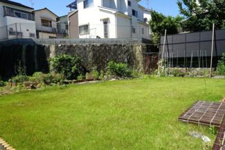 【庭】川西市松が丘町9の12 中古一戸建て