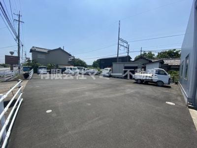 【駐車場】菰野町事務所付倉庫