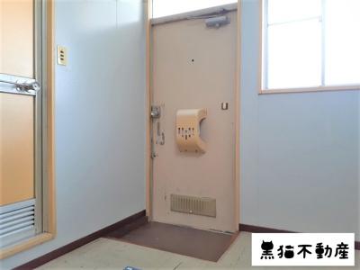 【玄関】二村ハイツ