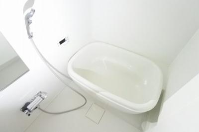 【浴室】メゾニティ・クイーン阿波座