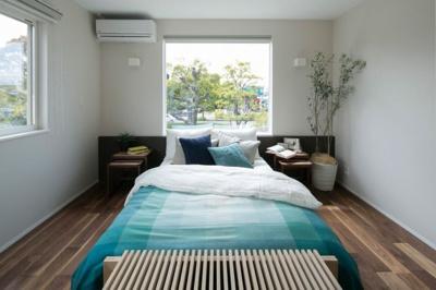 施工例、落ち着きのある寝室