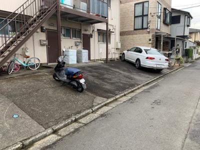 【駐車場】臼井荘