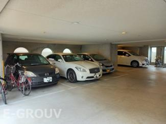 平面駐車場のあるマンションです!
