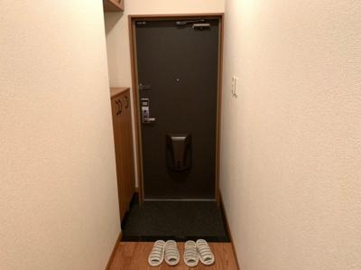 毎日通る玄関はこちらです 【COCO SMILE】