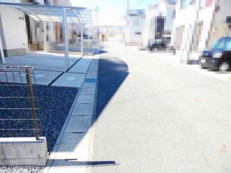 【前面道路含む現地写真】近江八幡市古川町 中古戸建