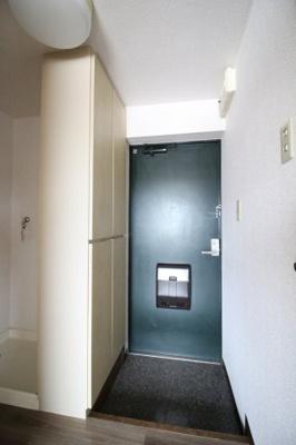 【玄関】クラウンハウス