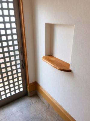 玄関のニッチです♪鍵置場や飾り棚として活躍しそうです♪