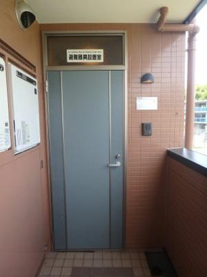 大島 オアシス六番館 1K 玄関