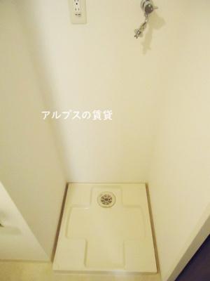 洗濯機置き場ついてます。同一仕様