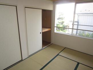 和室6帖収納スペースでです
