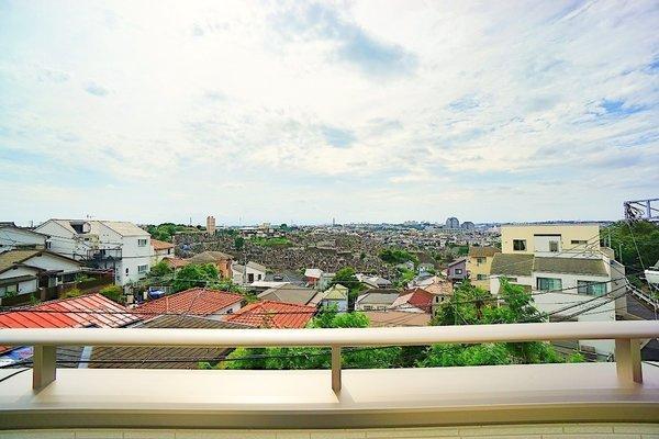 バルコニーからの眺望です! 是非一度現地までお越しください。