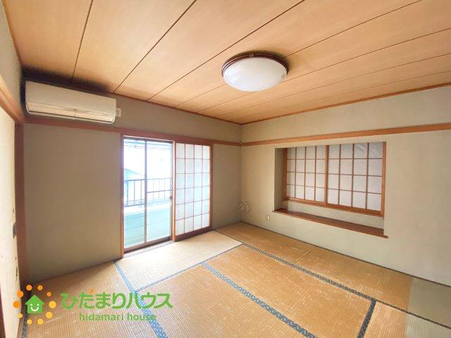 2階のお部屋、1室は和室の仕様です。
