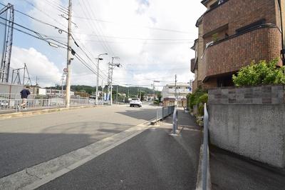 【周辺】サンコーポ高槻阿武野 (株)Roots