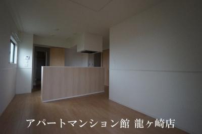 【居間・リビング】エミリオ・クレスト A