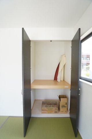【同仕様施工例】和室押入 座布団やお布団、季節物の家電など収納できます。