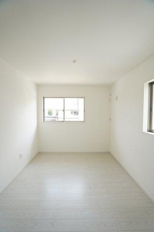 【同仕様施工例】窓があるので採光と通風がいいのでお部屋です。