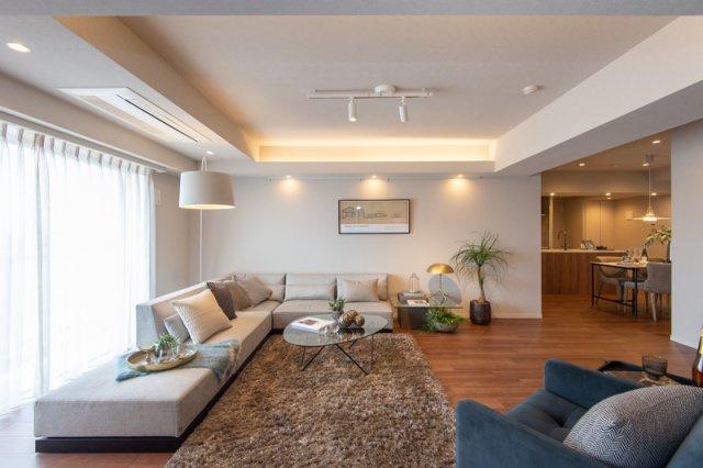 三軒茶屋シティハウス:リビングダイニングキッチンには床暖房が付いており、寒い季節でも暖かくお過ごしいただけます!