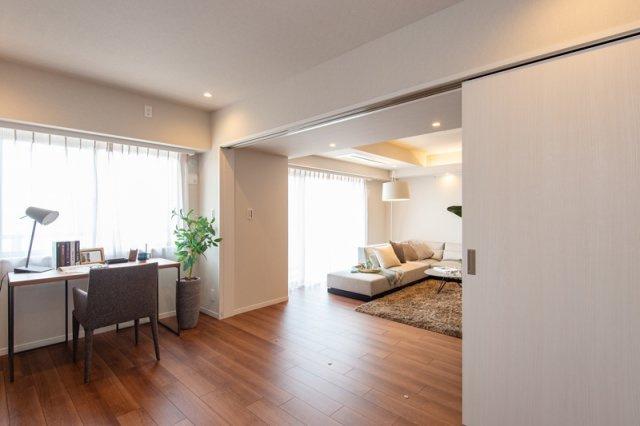 三軒茶屋シティハウス:約6.3帖の洋室にはクローゼット・窓が付いております!