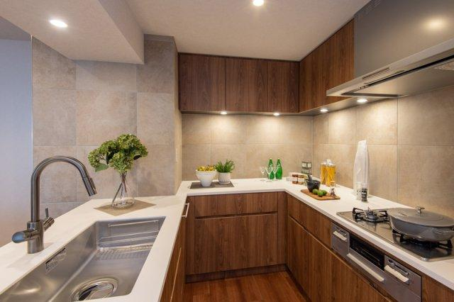 三軒茶屋シティハウス:あると便利な食器洗浄機付きのの対面式システムキッチンです!