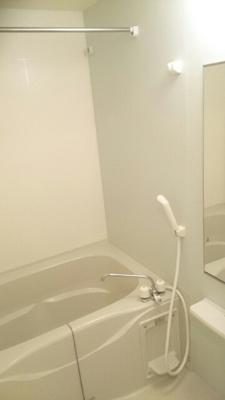 【浴室】ガーデン西垣生・
