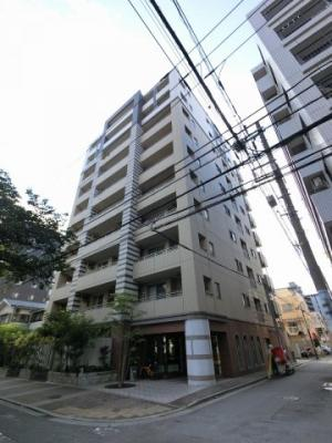 総戸数38戸、2011年8月築、管理人は日勤勤務につき管理体制良好です♪
