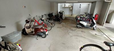 雨にも負けず風にも負けず自転車・バイクを守り続ける!