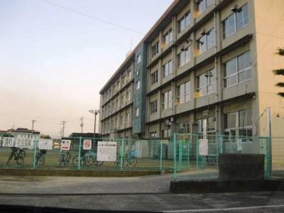 川口東小学校まで600m