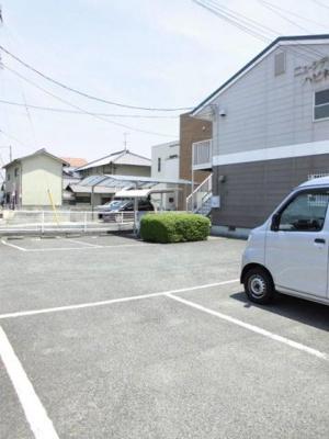 【駐車場】ニューシティハピネスB