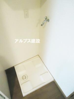 人気の室内洗濯機置き場。