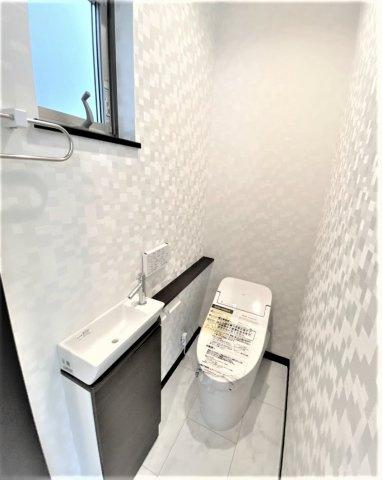 トイレは2カ所設置可能!プランによってはオシャレなタンクレスも可能です^^