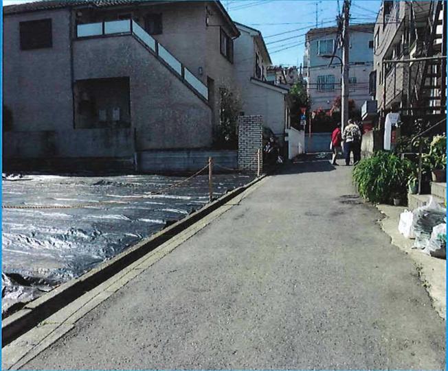 【前面道路含む現地写真】新宿区原町1丁目 条件付き売地