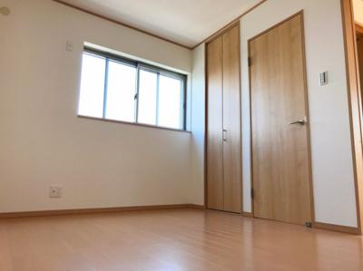 3階の6.3帖の洋室です♪南向きの明るいお部屋です♪
