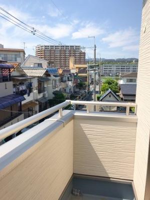 3階のバルコニーは眺望がとても良いですよ♪