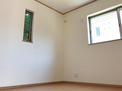 1階の4.8帖の洋室(納戸)です♪