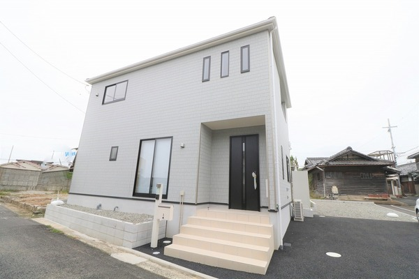 泉佐野市鶴原の新築一戸建の画像