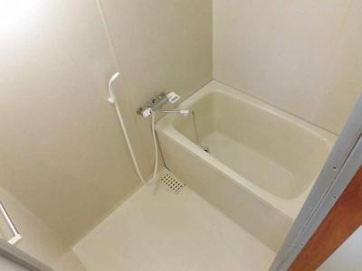【浴室】岡林マンション