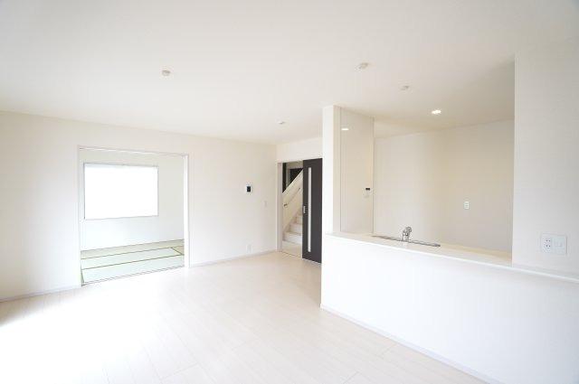 【同仕様施工例】一日を通して陽当たりがよいため、部屋が明るいです。