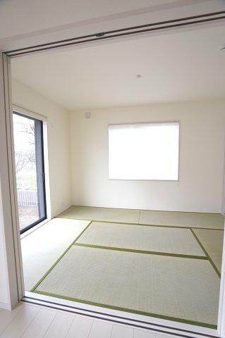 【同仕様施工例】玄関から直接出入りできるので急な来客にも対応できます。