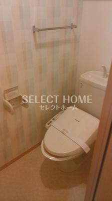シンプルで使いやすいトイレです 同型タイプです