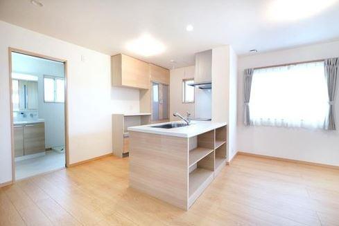 【居間・リビング】堺市西区浜寺元町 新築一戸建て