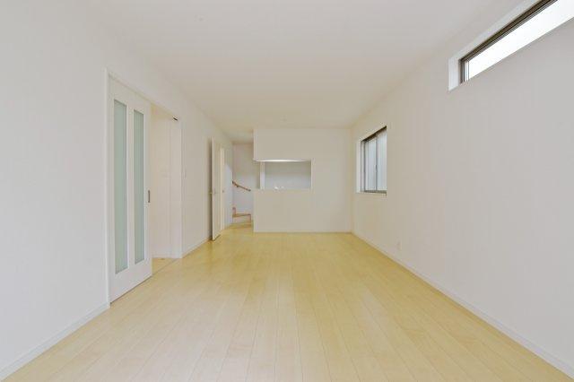 -同社施工例- いつまでも愛着を持って住み続ける事ができるように、シンプルな住空間が魅力です。