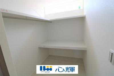 2階居室横には大きめのクローゼットスペースを設置。身支度も楽々です。
